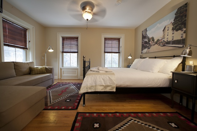Guestroom at the 1850 House & Tavern