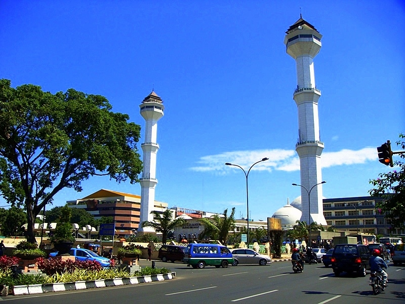 Bandung Grand Mosque. Photo: Prayudi Setiadharma/Wikimedia Commons .