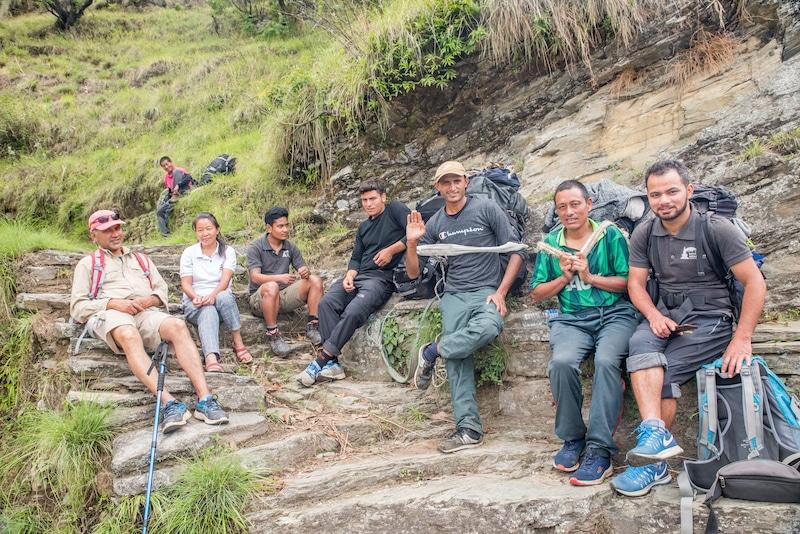 porters nepal trek